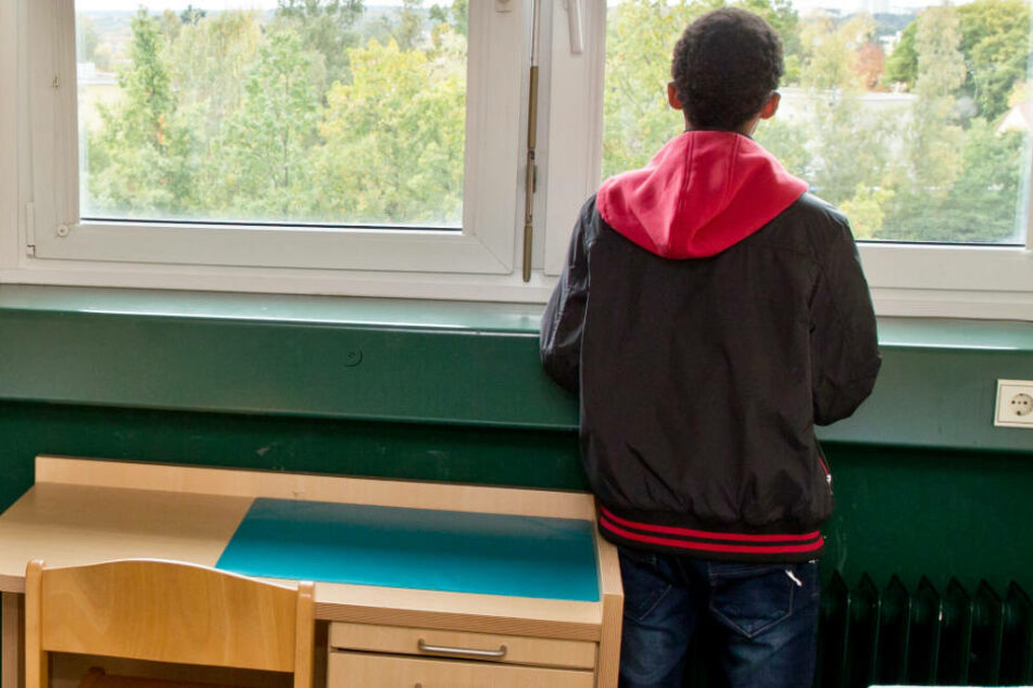 Ein minderjähriger Flüchtling soll sexuell missbraucht worden sein. (Symbolbild)