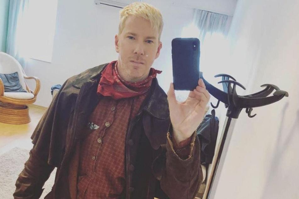 """Blondiert, cool, markant: Mit dem """"Sherminator"""" hat Chris Owen nicht mehr viel gemeinsam."""