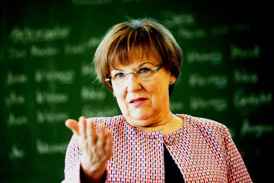 Kultusministerin Brunhild Kurth (62, CDU) hatte nicht mit einem Ansturm auf  die Gymnasien gerechnet.