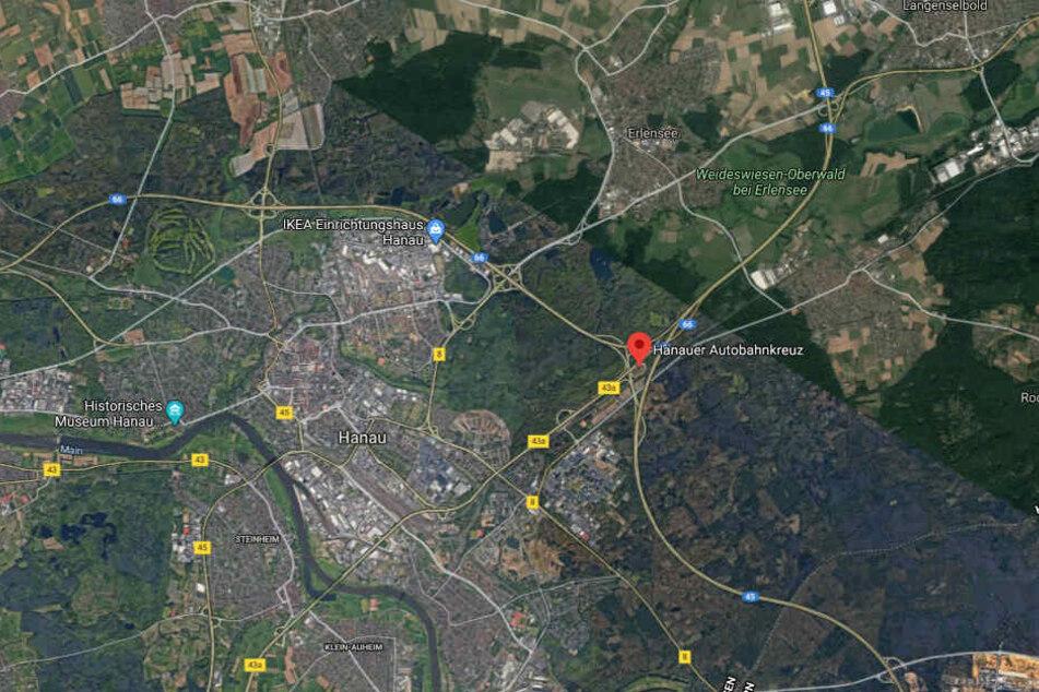 Der Mann hatte am Hanauer Kreuz sein Auto auf der linken Fahrbahn der A66 stehengelassen und war in ein angrenzendes Waldstück geflüchtet.