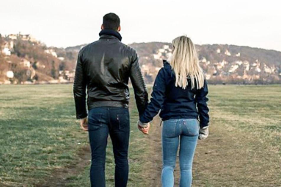 Mit diesem Foto gab Adrienne die Trennung von ihrem Freund Steven bekannt.