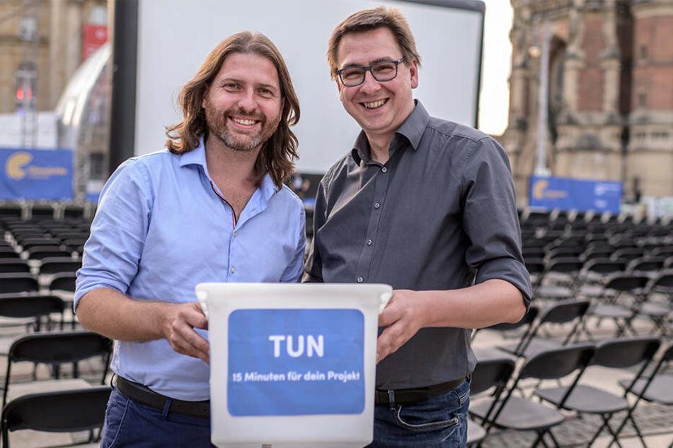 Lassen für die sich Präsentierenden auch eine Spendenbox rumgehen: Filmnächte-Chef Michael Claus (41, l.) und -Sprecher Volker Tzschucke (44).