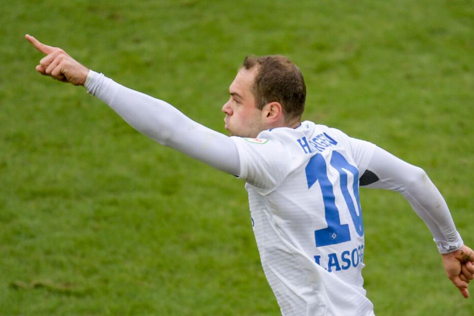 Pierre-Michel Lasogga soll auch gegen Paderborn wieder die Hauptlast im Angriff tragen.