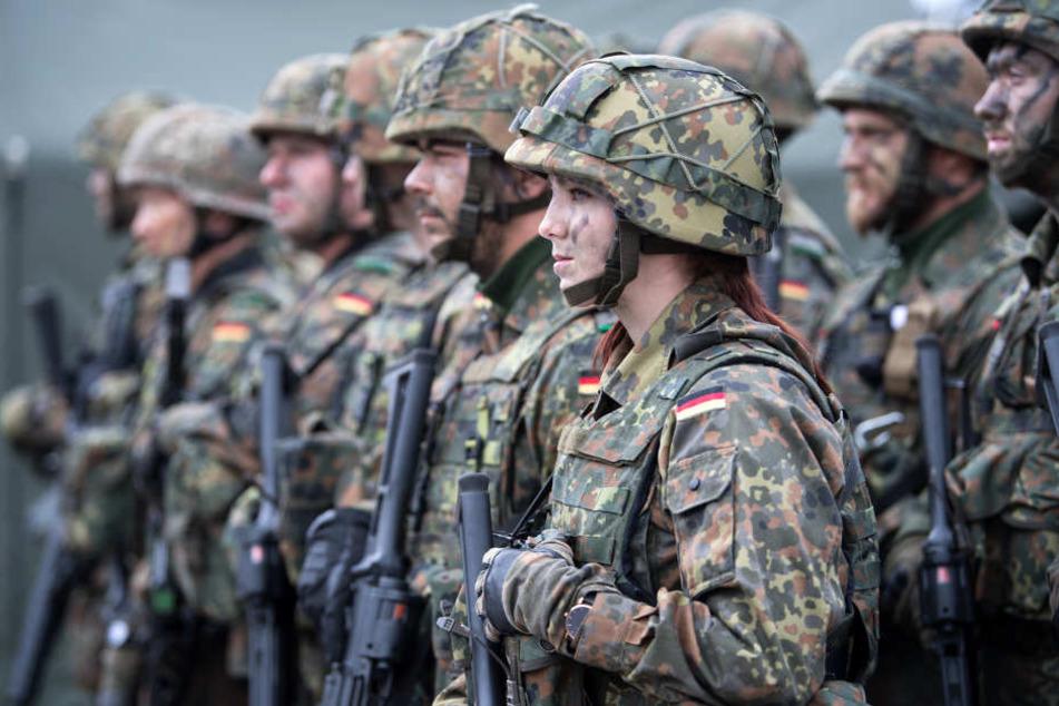 Die Bundeswehr soll für die NATO ein neues Quartier im Raum Köln/Bonn errichten. (Symbolbild)