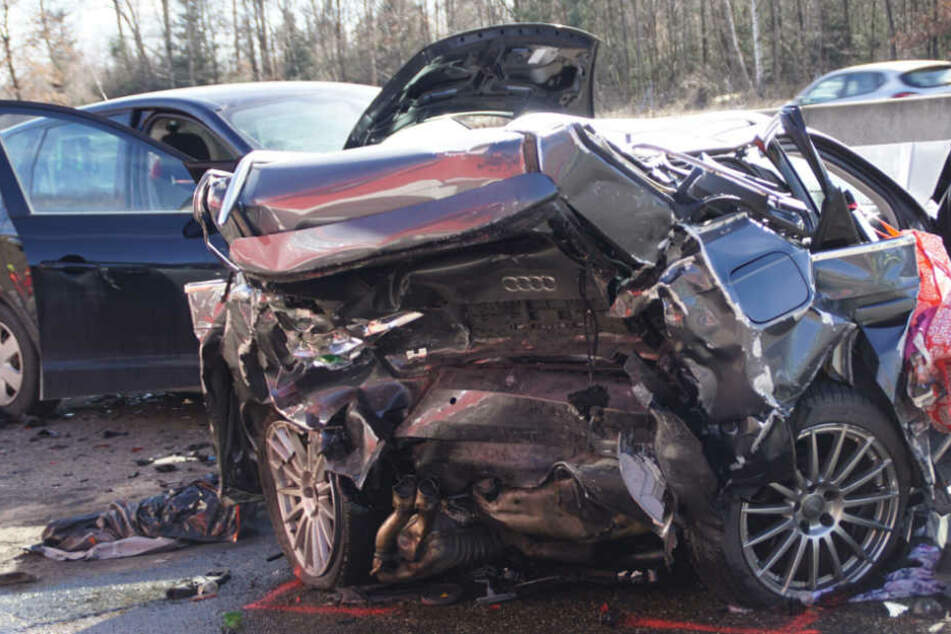Die Unfallstelle am Sonntagmittag.