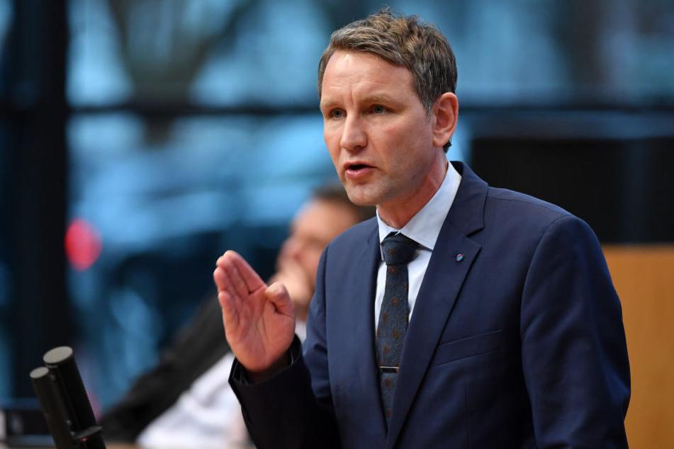 Fraktionsvorsitzender Björn Höcke und seine Partei haben den Antrag eingereicht.