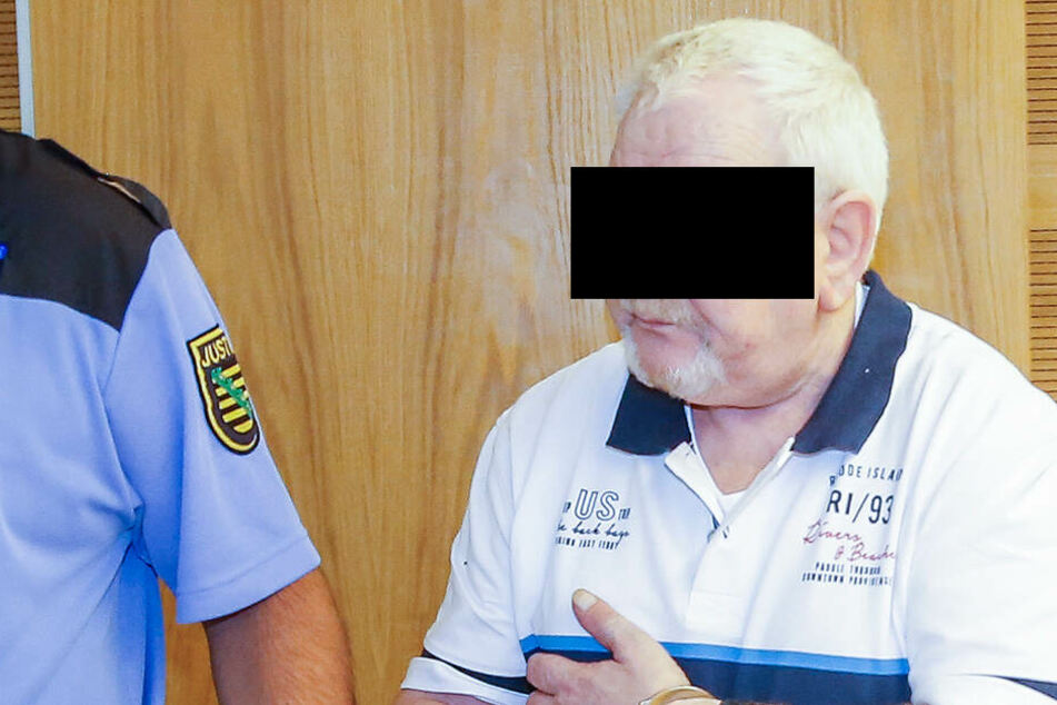 Bernd M. (69) sitzt nicht zum ersten Mal im Landgericht Dresden auf der Anklagebank.
