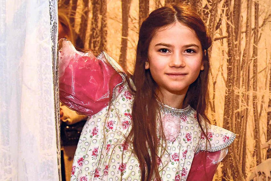 Als Mädchen Lilly reist die Dresdner Schülerin Rosalie Neumeister (12) im Werbefilm allein zu ihrem Märchenschloss.