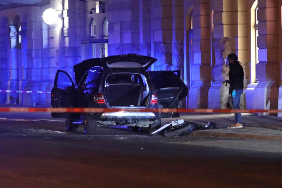 18 Handgranaten entdeckten die Ermittler am Montagabend in dem Mercedes SUV.