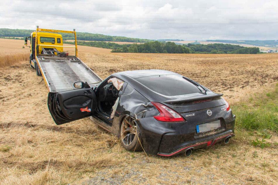 Der Wagen war nach dem Unfall nicht mehr zu gebrauchen und wurde abgeschleppt.