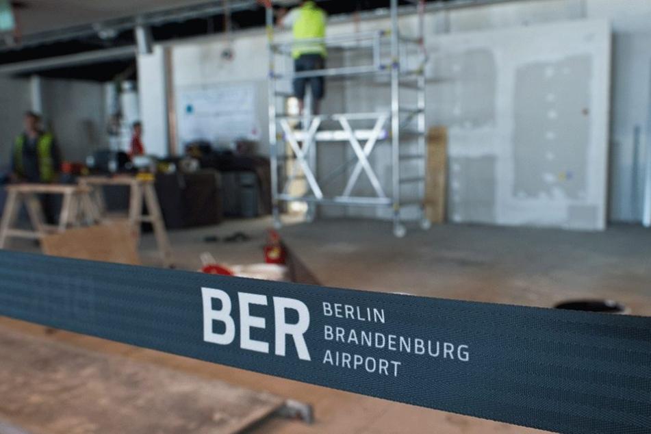 Die Arbeiten am BER dauern voraussichtlich nochmal bis zu einem halben Jahr länger.