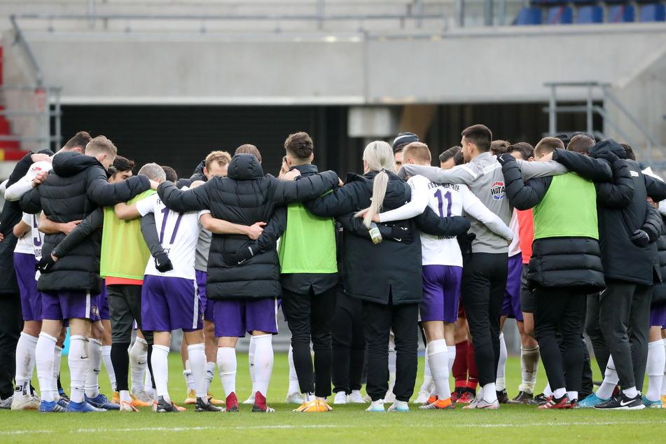 Direkt nach der Niederlage in Paderborn schworen sich die Veilchen auf die kommende Aufgabe ein - und die heißt Fortuna Düsseldorf.