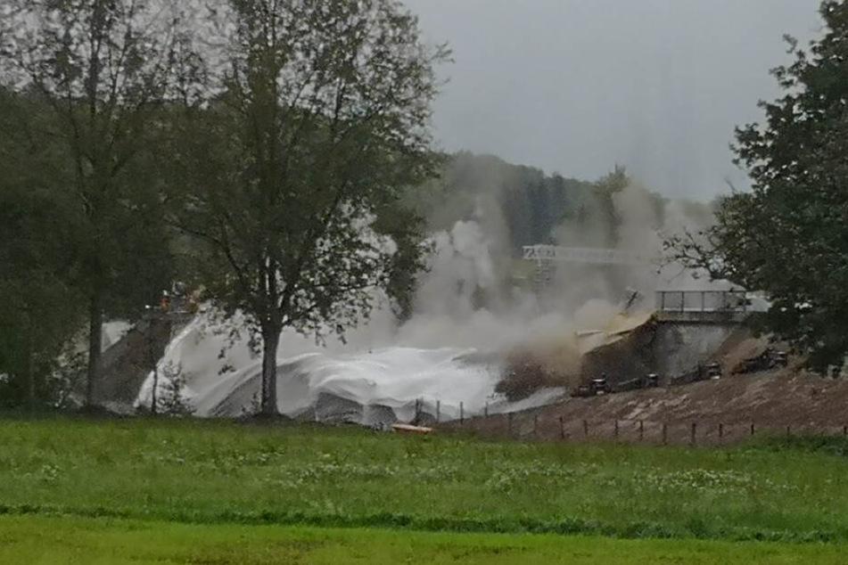Der Schutt, nachdem die Brücke gesprengt wurde.