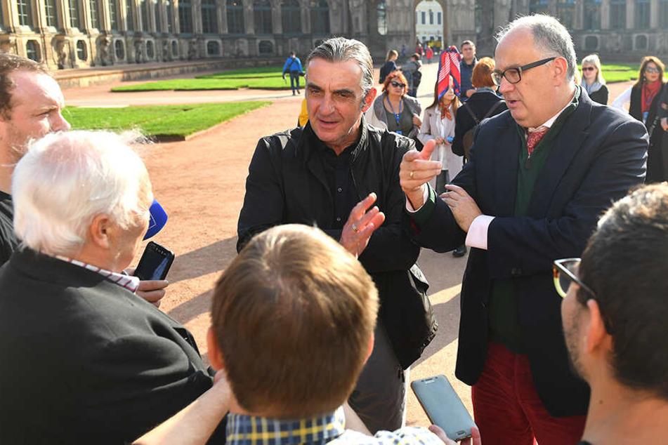 Dynamo-Sportchef Ralf Minge (l.) und Christian Striefler - Geschäftsführer Schlösser, Burgen und Gärten Sachsen GmbH - im Gespräch mit den Medienvertretern.