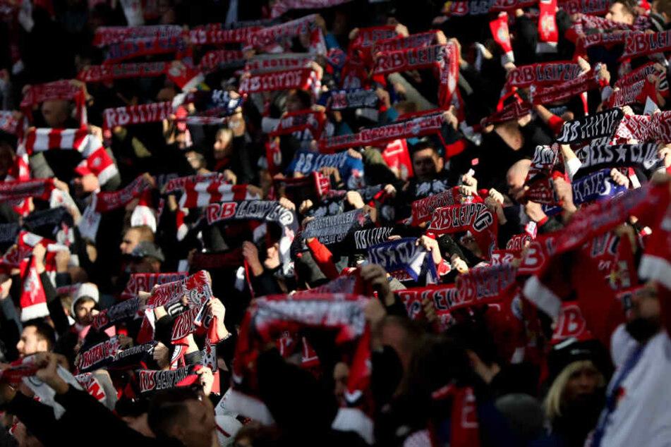 Langjährige RB-Leipzig-Fans sind eingeladen, mit einem Sonderzug zum DFB-Pokalfinale in Berlin anzureisen.