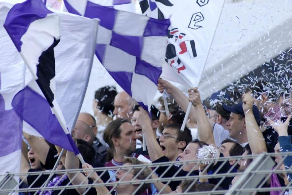Der letzte große Auftritt im deutschen Fußball: Tennis Borussias Fans sorgten in der ersten Runde des DFB-Pokals 2008/2009 für ordentlich Stimmung. Im Spiel gegen Energie Cottbus blieb die Überraschung aus und der Berliner Oberligist muss sich dem Bundesl