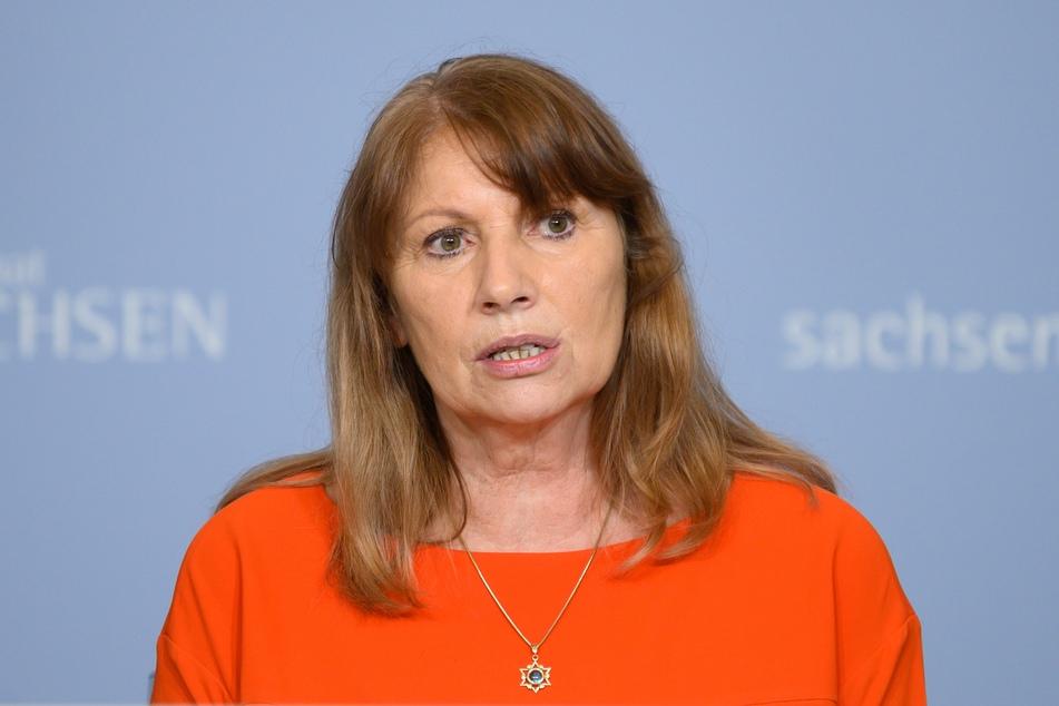 Gesundheitsministerin Petra Köpping (62, SPD) kündigt am Freitag die neue Corona-Schutzverordnung an.