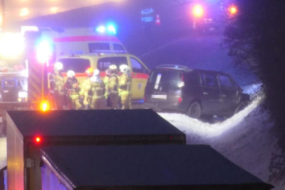 Er fuhr auf einen Lkw: Autofahrer bei Unfall auf der A14 schwer verletzt