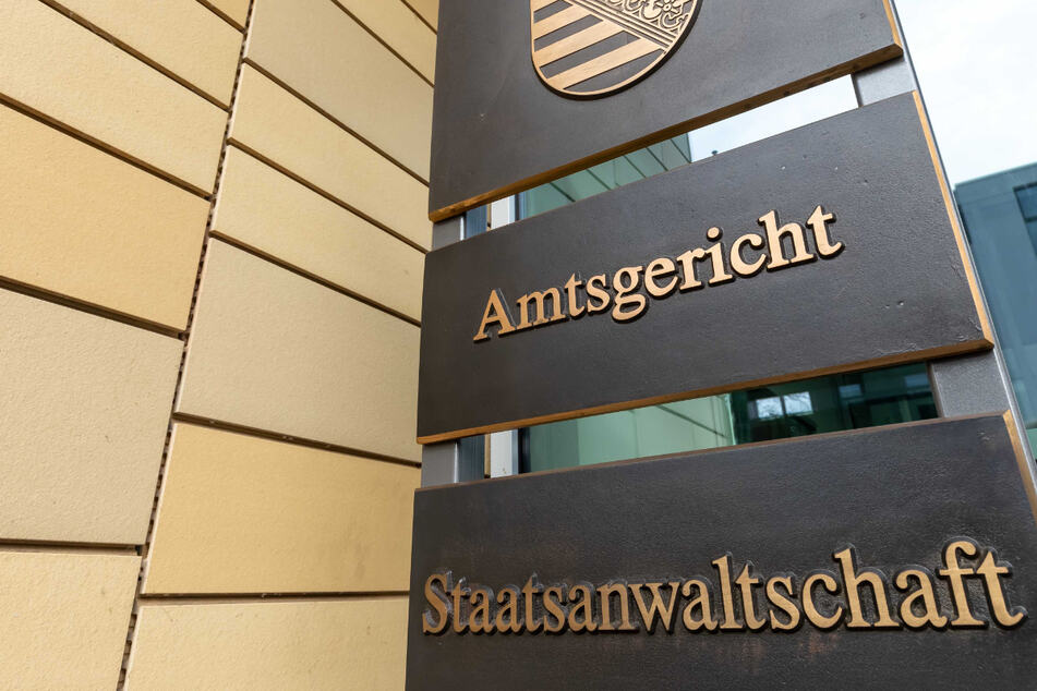 Gewaltverbrechen in Freiberg: 33-Jährige tot in Hausflur gefunden