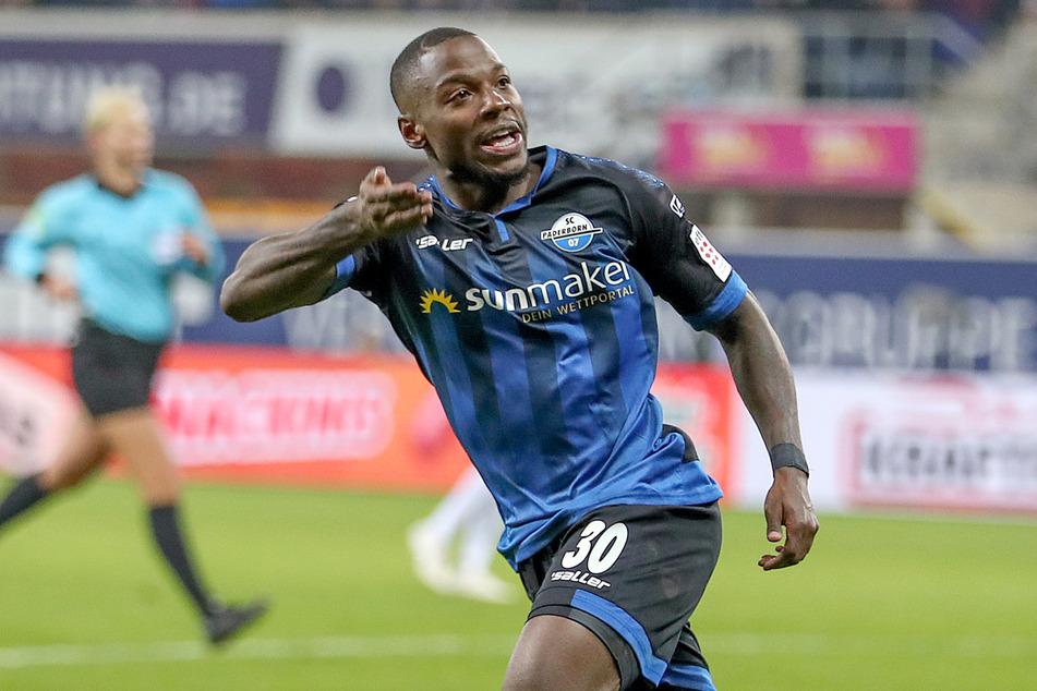 Der 1. FC Köln soll am Paderborner Streli Mamba (26) interessiert sein.