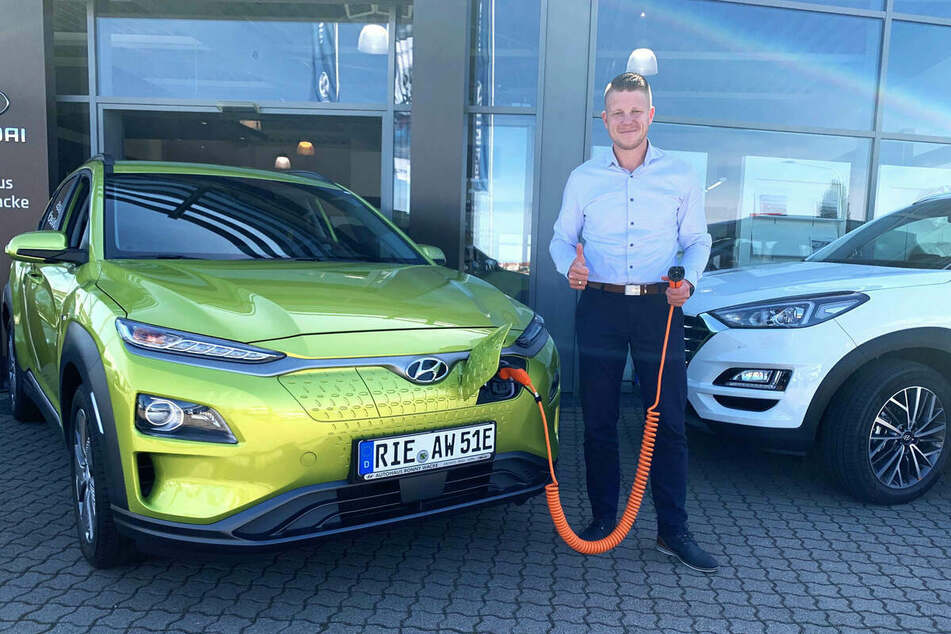 Im Autohaus Ronny Wacke sind Hybrid- und Elektroautos massiv im Preis gesenkt!