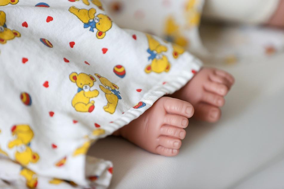 Schon im Februar und März waren in NRW mehr Säuglinge zur Welt gekommen als zuvor.