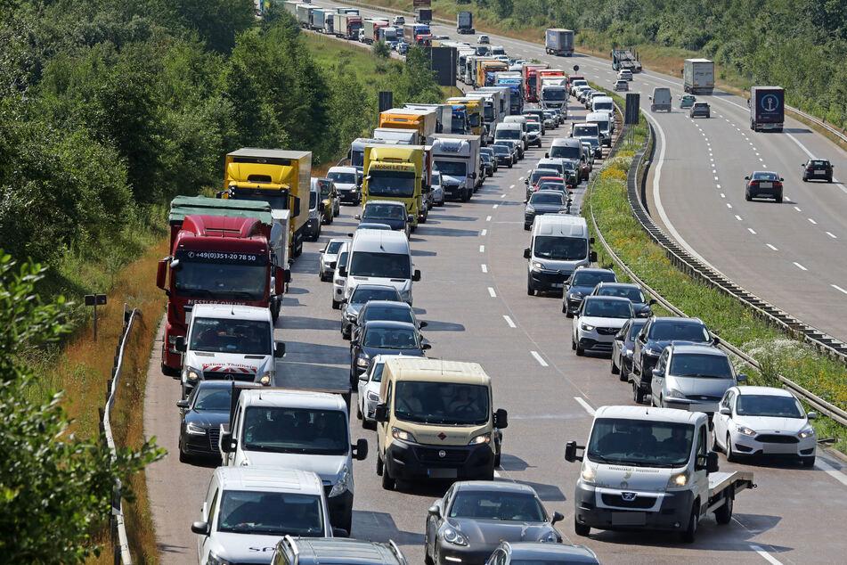 Durch den Unfall bildete sich ein Mega-Stau auf der A4.