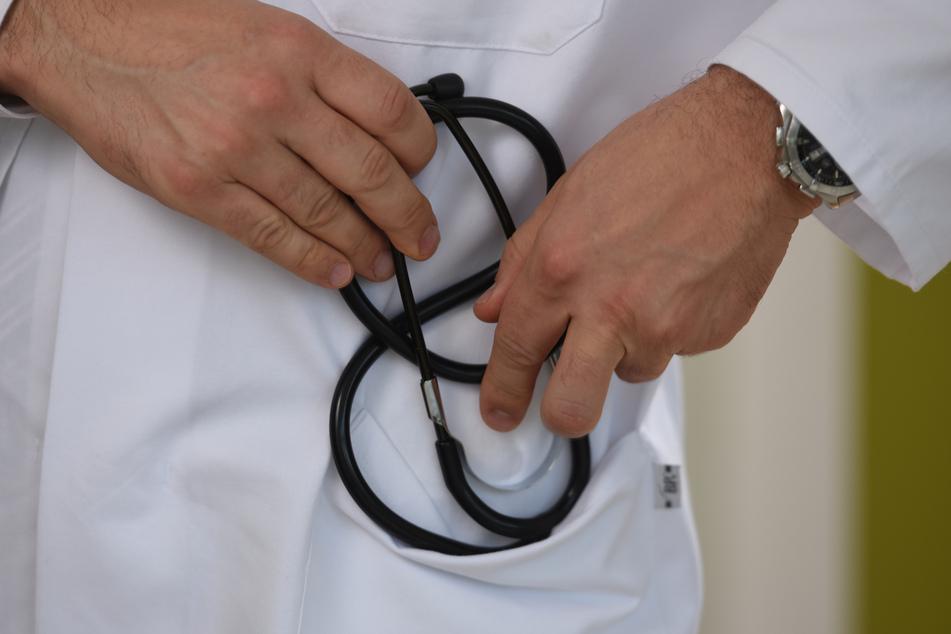 Der ehemalige Chirurg Joël Le Scouarnec soll mehrere Minderjährige missbraucht haben (Symbolbild).