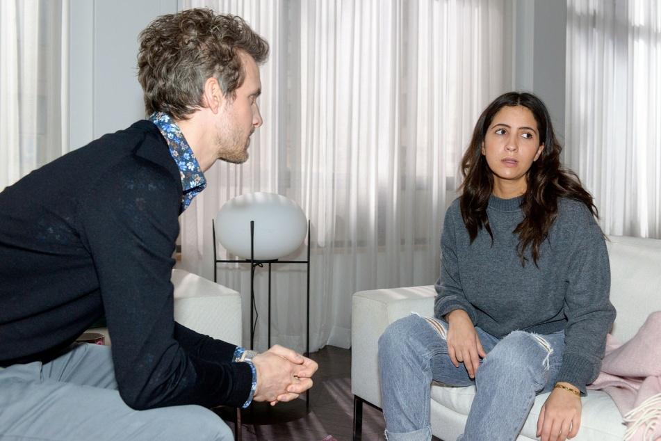 Laura versucht mit aller Kraft, Nazan und Felix auseinanderzubringen.