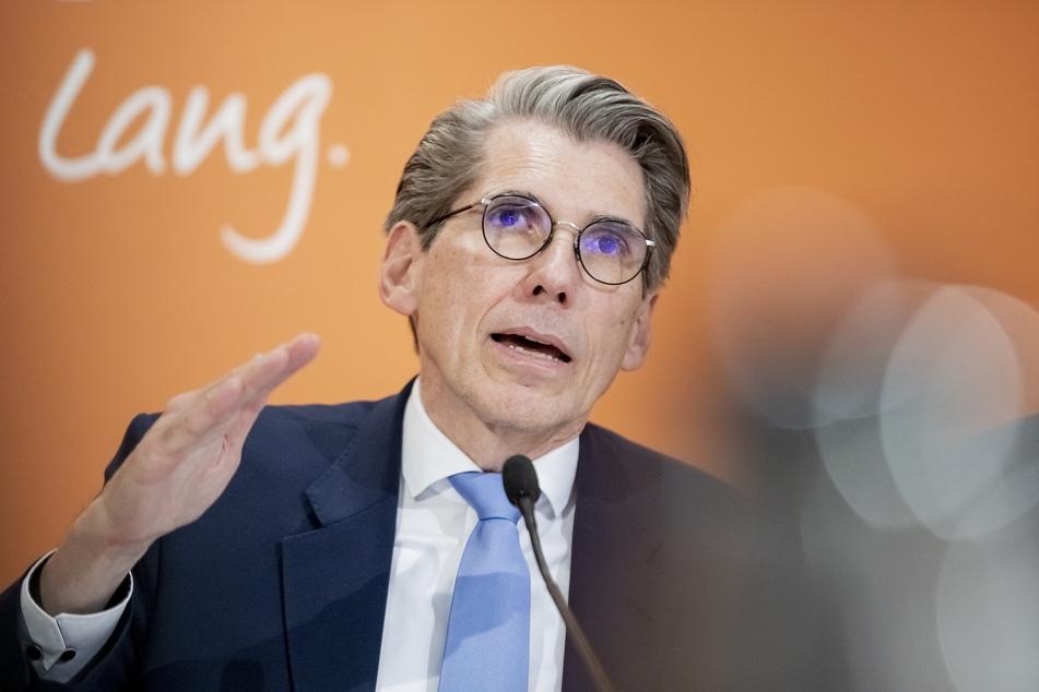 """Andreas Storm (57), Vorstandsvorsitzender der DAK-Gesundheit, hält die gesundheitlichen Folgen der Pandemie für Kinder und Jugendliche für """"alarmierend""""."""