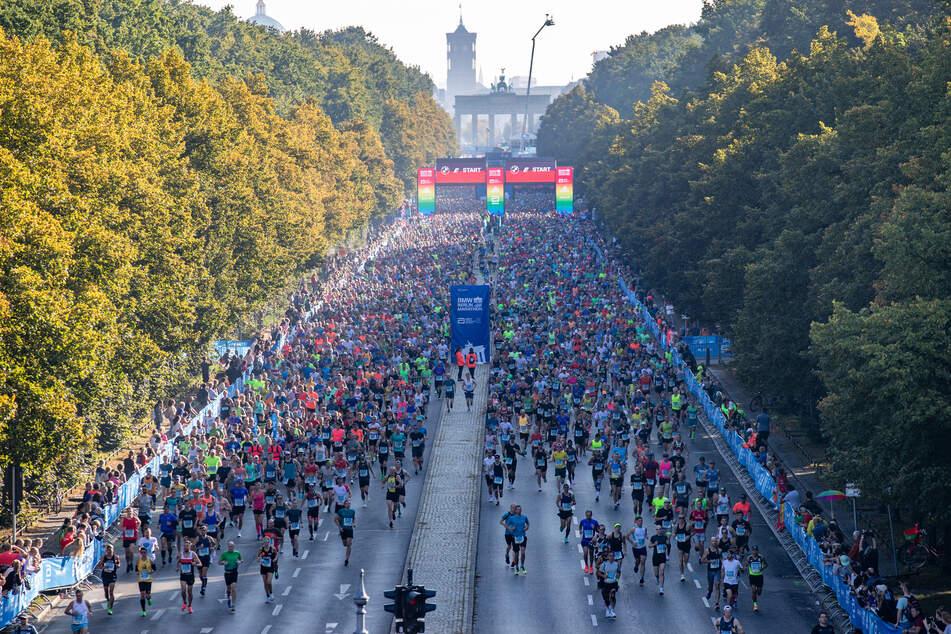 Der Berlin-Marathon 2021 sorgte wie gewohnt für eine volle Straße des 17. Juni.