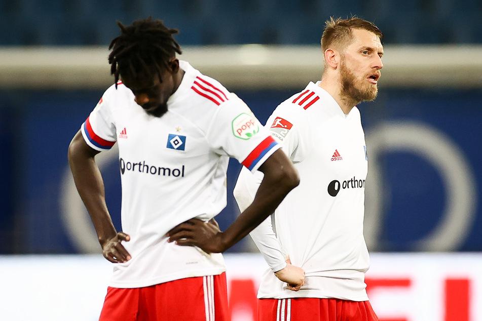 Die HSV-Spieler Bakery Jatta (l.) und Aaron Hunt waren nach der Niederlage gegen den SV Darmstadt 98 sichtlich enttäuscht.
