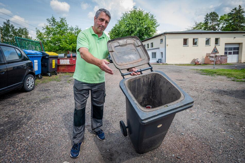 Rainer Gase (67) aus Klaffenbach fürchtet steigende Preise für die Restmüllentsorgung.