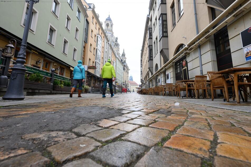 Wie viele Einwohner leben eigentlich in Sachsen? Wer eine genaue Zahl wissen möchte, muss sich gedulden: Die Volkszählung 2021 fällt wegen Corona aus.