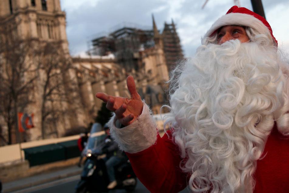 Wie erklärt man Kindern, dass der Weihnachtsmann trotz Corona nach Hause kommt?