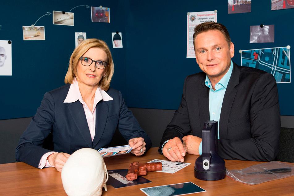 """Birgit von Derschau moderierte """"Kripo live"""" seit 1992, Axel Bulthaupt übernahm 2013 von ihr und blieb bis Anfang 2020."""