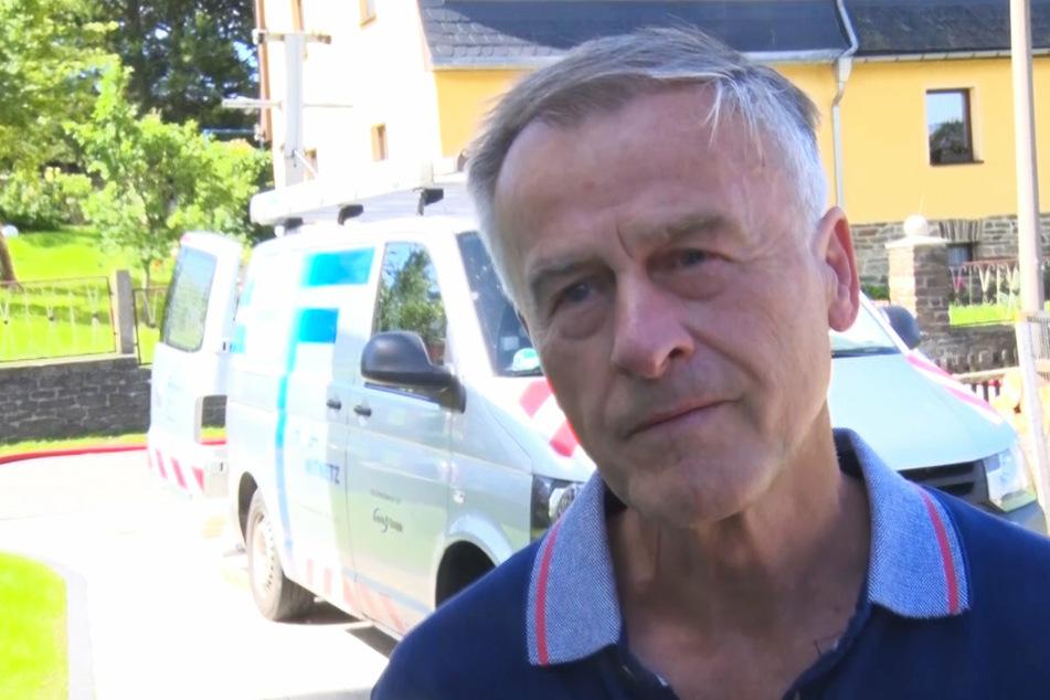 Nachbar Hans-Jürgen Reichel half als Erster am Brandort.