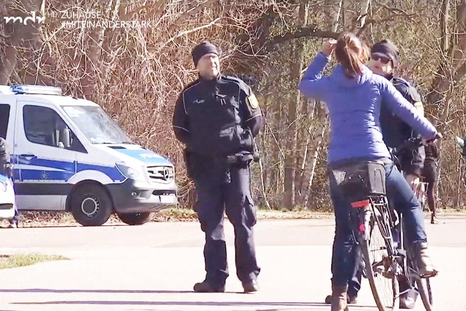 Irre Jagd auf Jogger:Polizei erfindet Corona-Regeln und nimmt sie wieder zurück!