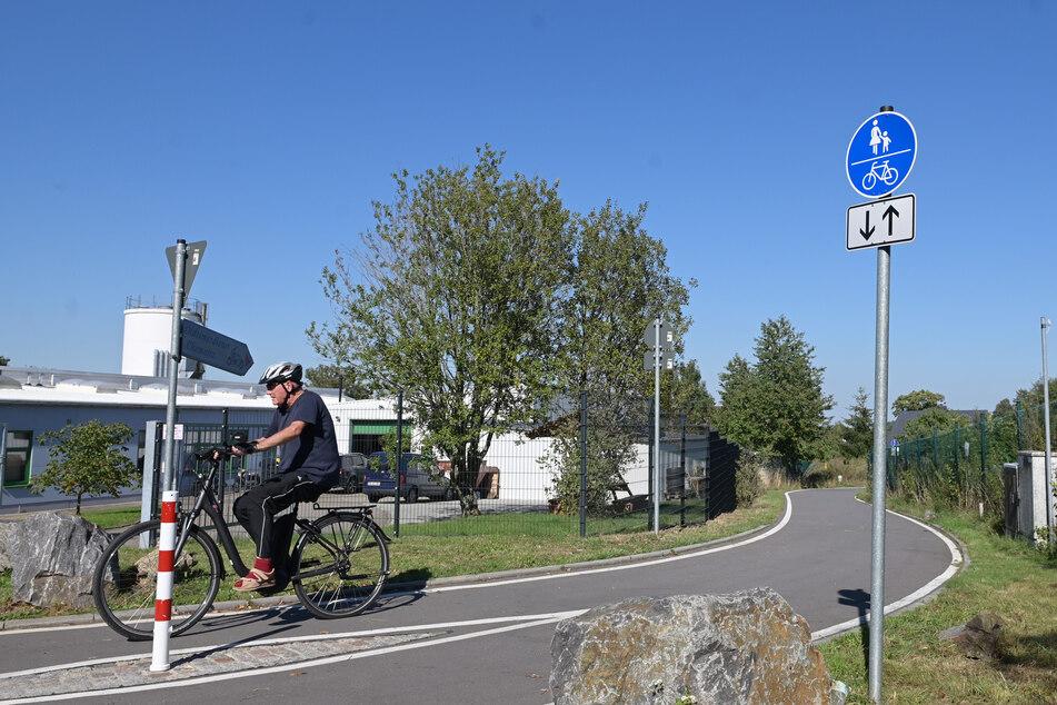 Der Radweg, der bisher im Gewerbegebiet Mittelbach endet, soll 2021 weitergebaut werden.