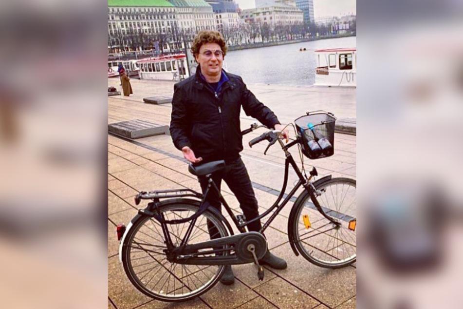 Comedian Atze Schröder (55) ist in Hamburg am liebsten mit dem Fahrrad unterwegs.