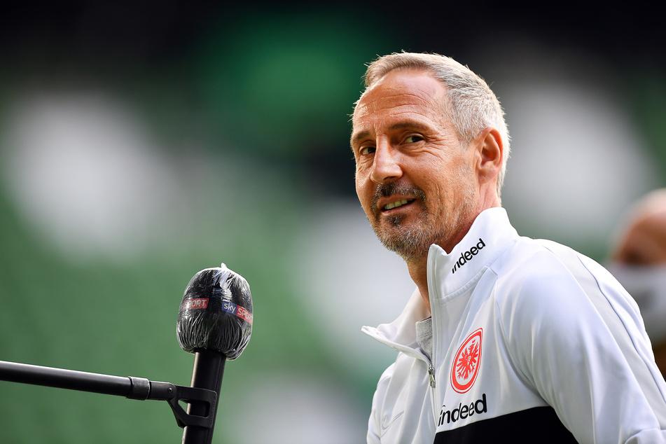 """""""Wir haben uns das 0:3 selbst eingebrockt, und jetzt versuchen wir, die Suppe wieder auszulöffeln."""" Eintracht-Coach Adi Hütter (50) gab sich vor dem Rückspiel pragmatisch."""