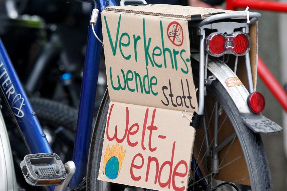 Rund 350 Radfahrer waren auf den Autobahnen unterwegs (Symbolfoto).