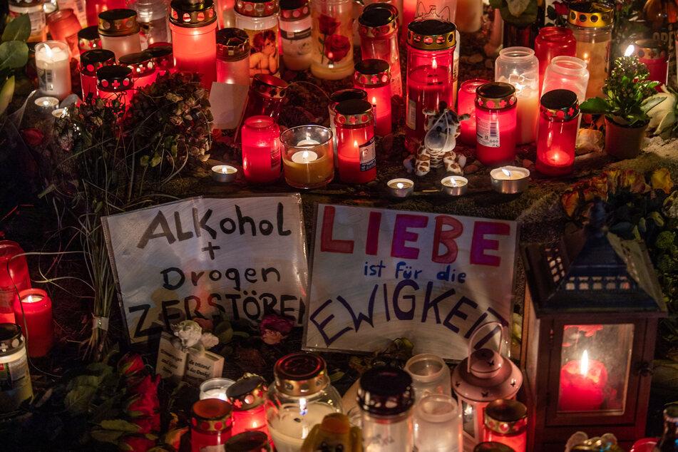 Eine Woche nach dem schrecklichen Drama in München hielten rund 400 Menschen eine Mahnwache nahe der Unfallstelle ab. (Archivbild)