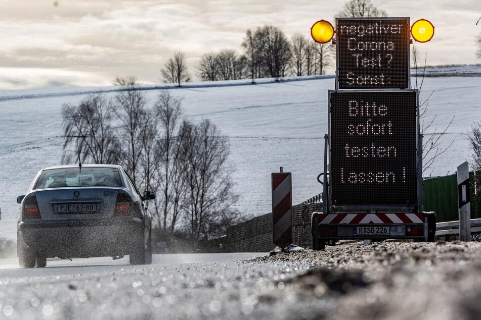 Grenzpendler in Sachsen müssen weiterhin Tests vorlegen. Zu dem Schluss kommt das Sächsische Oberverwaltungsgericht in einem Eilverfahren.