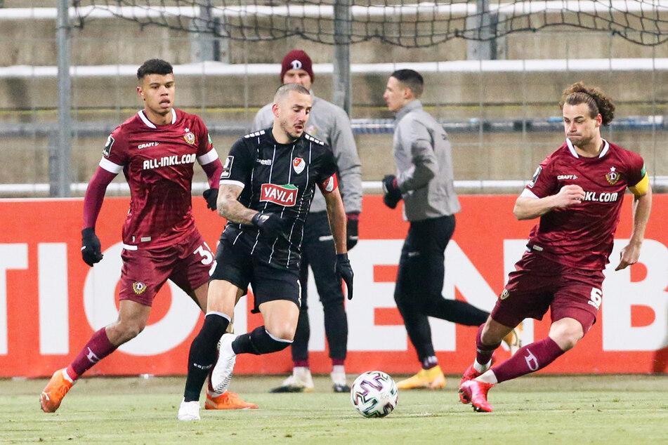Sercan Sararer (31, 2.v.l.) erzielte 2020/21 in 29 Einsätzen zehn Tore und gab zwölf Vorlagen, wurde von den Trainern und Kapitänen der 3. Liga sogar in die Elf der Saison gewählt.