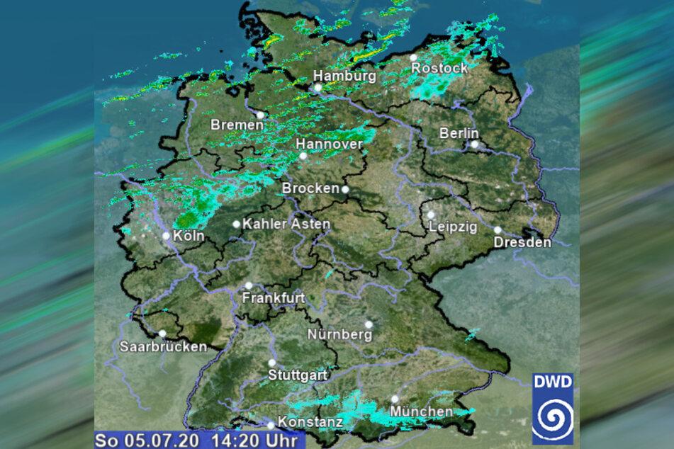 Vor allem im Norden und Nordwesten Deutschlands ist es bis Montag teilweise stürmisch.