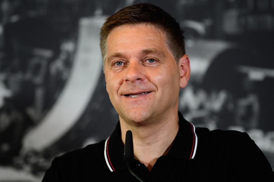 Unions Geschäftsführer Oliver Ruhnert (49) hatte kürzlich seinen Vertrag verlängert.
