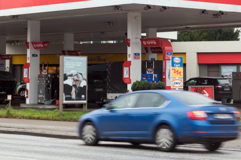 22-Jähriger stirbt nach Messerstecherei an Tankstelle