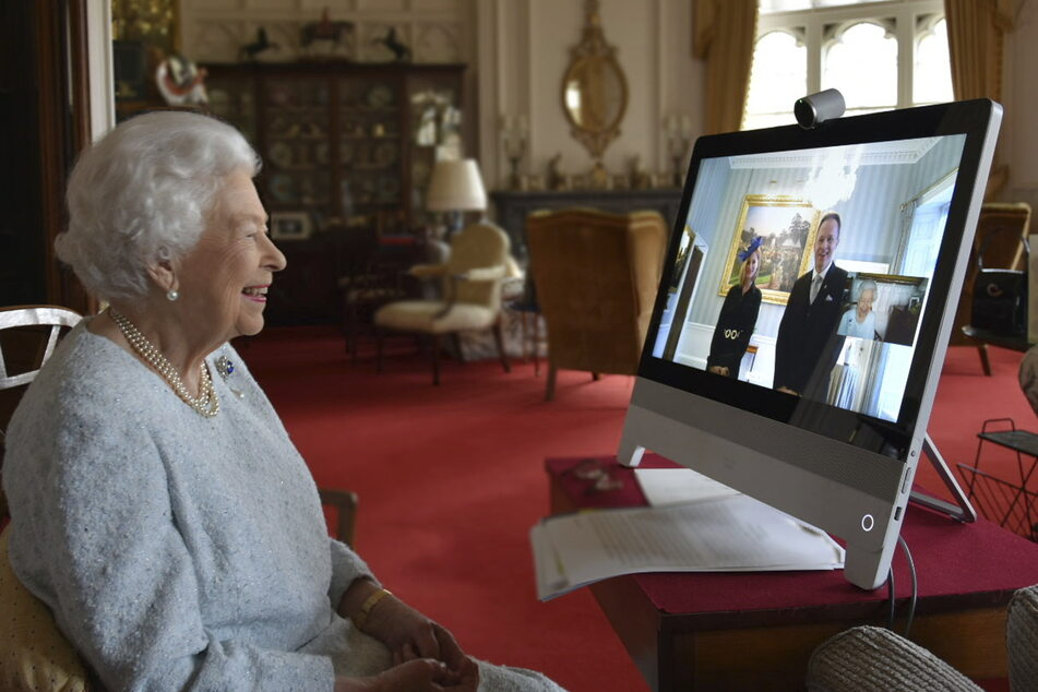 Queen Elizabeth (94) nahm in diesem Jahr regelmäßig an Videokonferenzen teil.