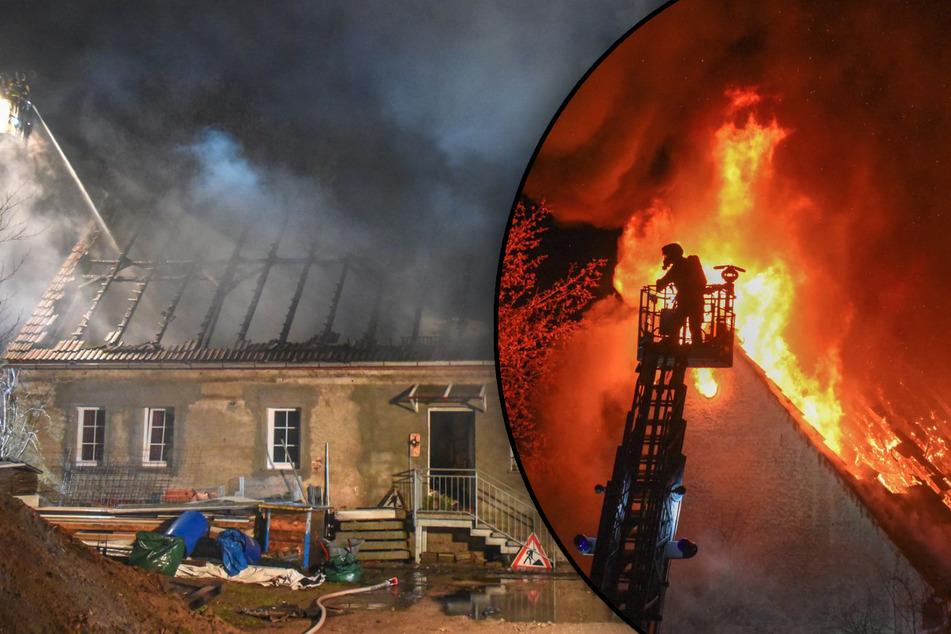 Meterhohe Flammen! Scheune in Sachsen fackelt komplett ab, Feuerwehrmann verletzt